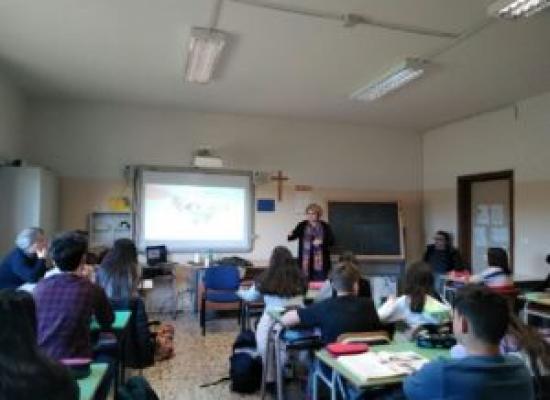 """""""Adotta uno scrittore"""" – Il Salone del libro di Torino approda ad Acireale"""